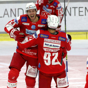 Nick Petersen (KAC) und Clemens Unterweger (KAC) jubeln