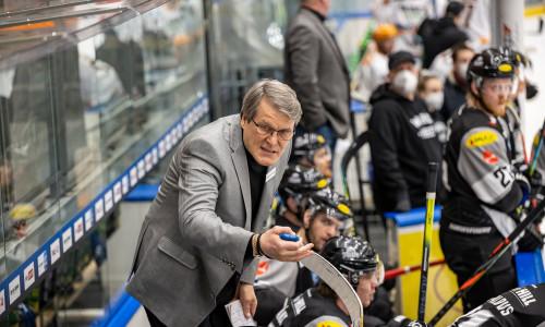 Head Coach Kai Suikkanen (DEC)
