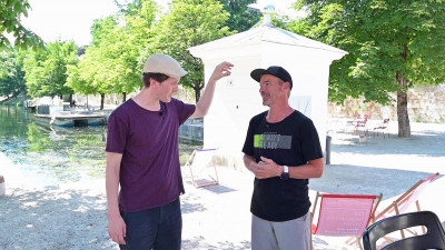 Kabarettist Hosea Ratschiller im #Rotjacken-TV-Interview