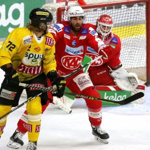Martin Schumnig (KAC) gegen Nicolai Meyer (VIC)